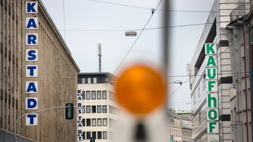Beim Zusammengehen von Karstadt und Kaufhof werden nun auch die Beschäftigten in die Zukunftskonzepte mit einbezogen